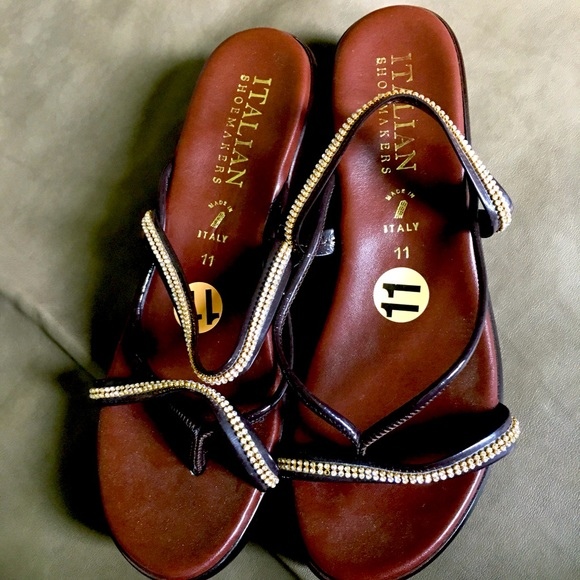 Italian Shoemakers Shoes - NWT Made in Italy rhinestones sandals